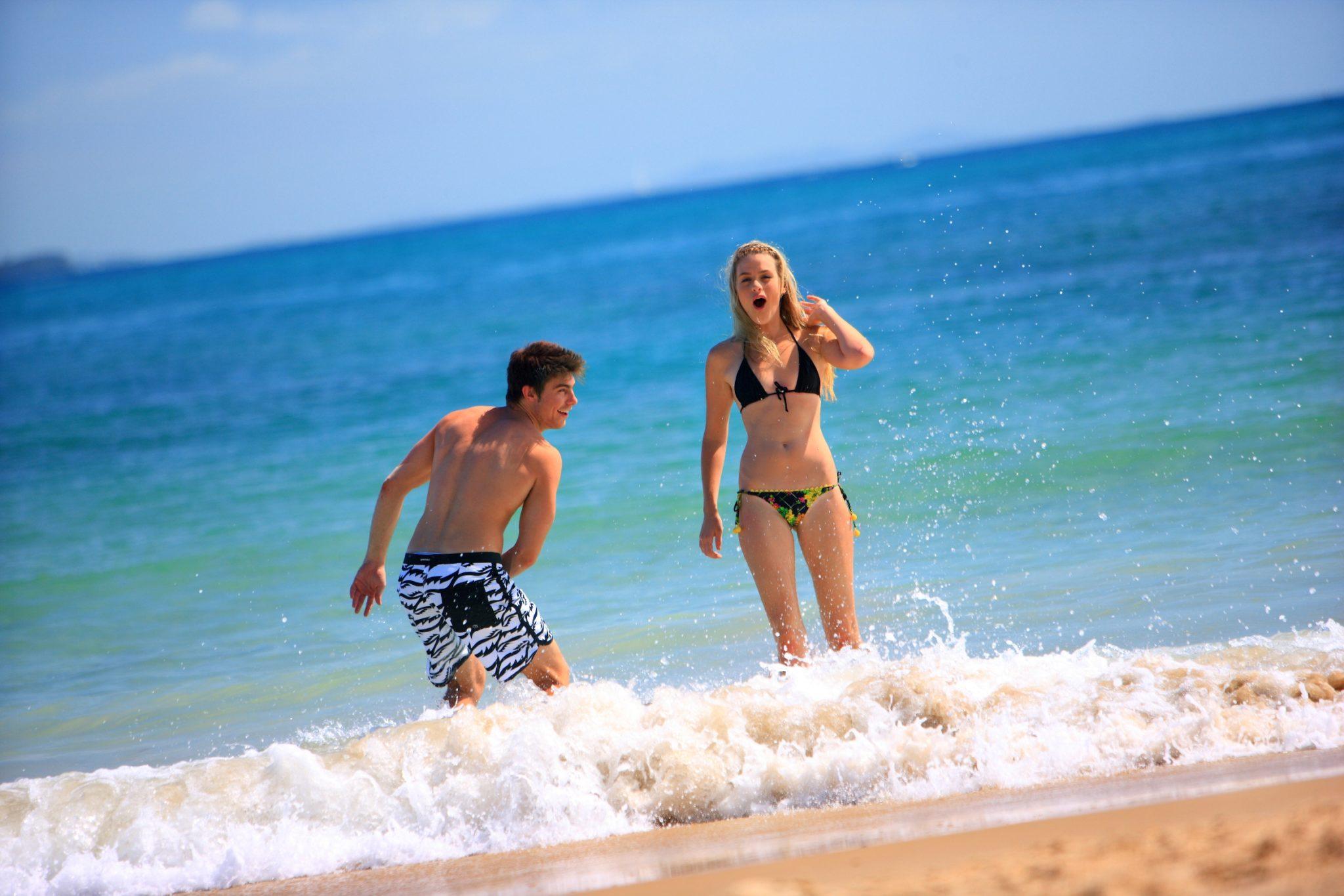 beachcouple_04c
